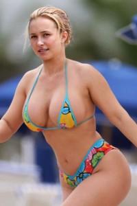 Sexy topless italian girls